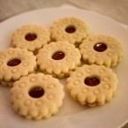 Rhubarb and vanilla jam jammy dodgers.