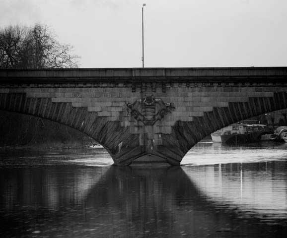 Kew Bridge, 1997