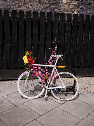 Ghost bike, Dalston, 27.5.13