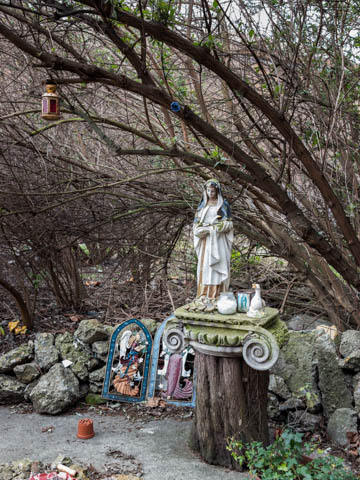 Crossbones Graveyard, near Borough Market, 29.3.13